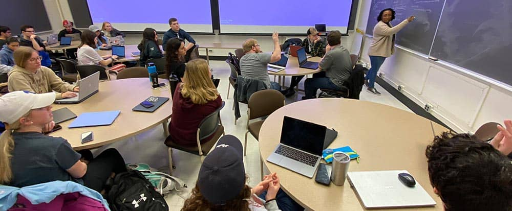 Nefetaria Yates teaches classroom